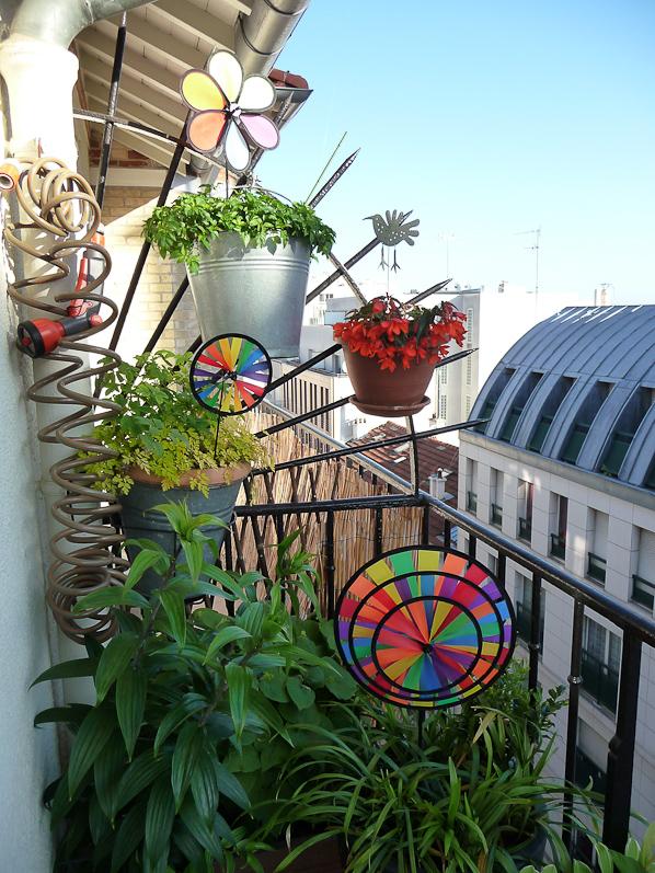 anti pigeon pour balcon. Black Bedroom Furniture Sets. Home Design Ideas